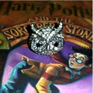 Jewelry - Bedazzled Owl Ring